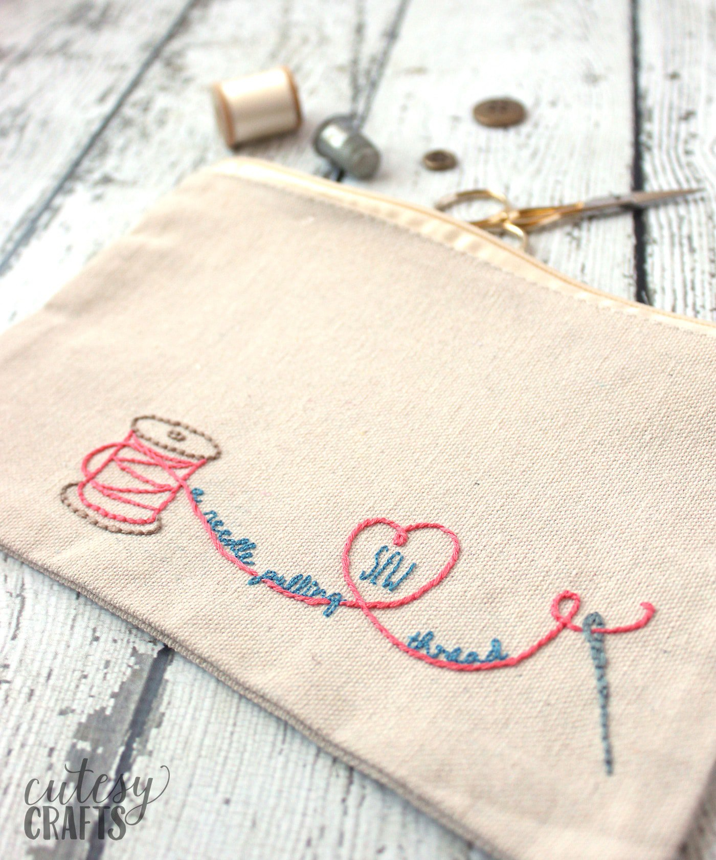 How To Design Embroidery Patterns By Hand Adorable Diy Sew A Needle Pulling Thread Bag Free Hand