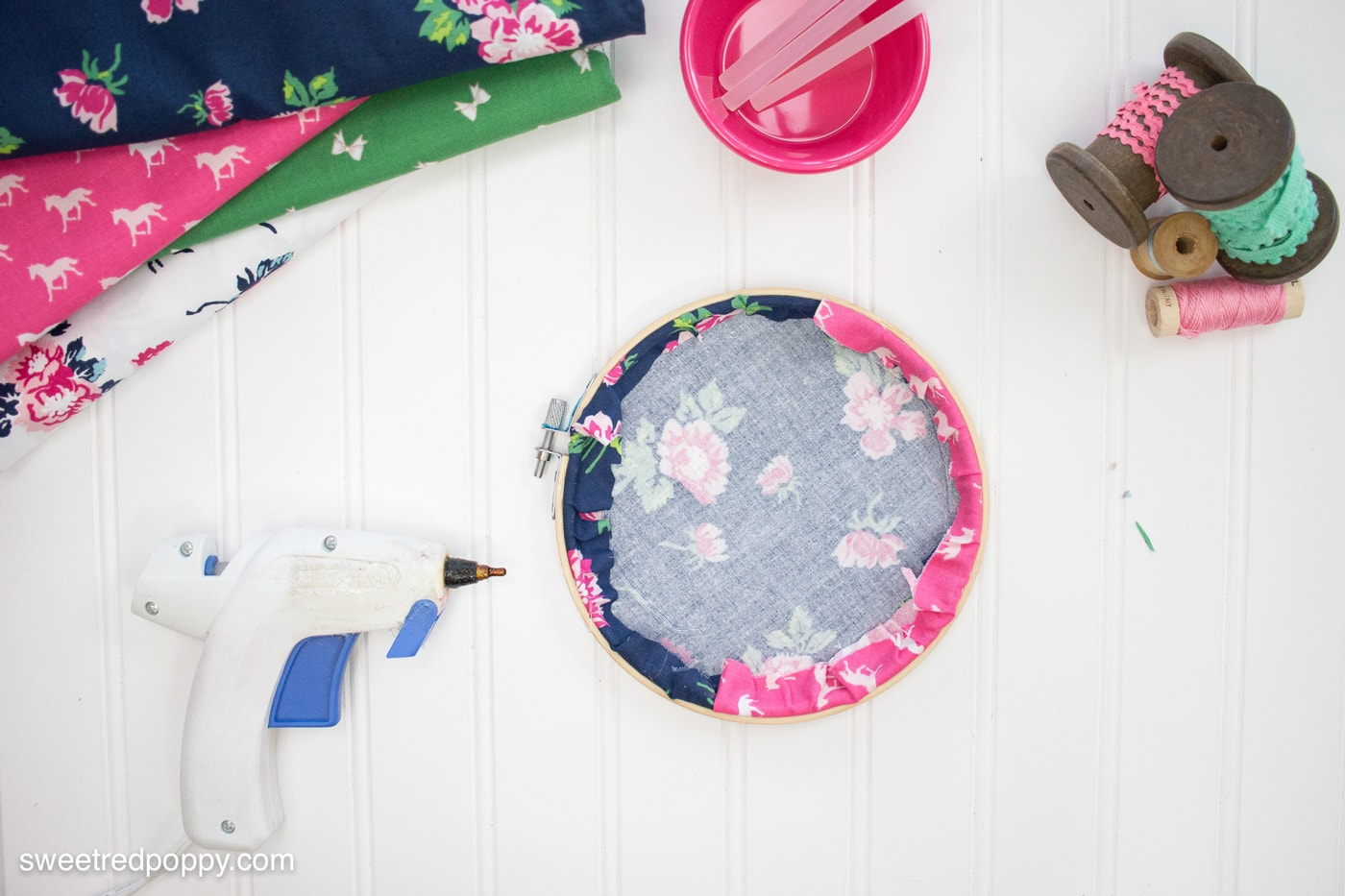 How To Make An Embroidery Pattern Diy Embroidery Hoop Hanging Wall Organizers