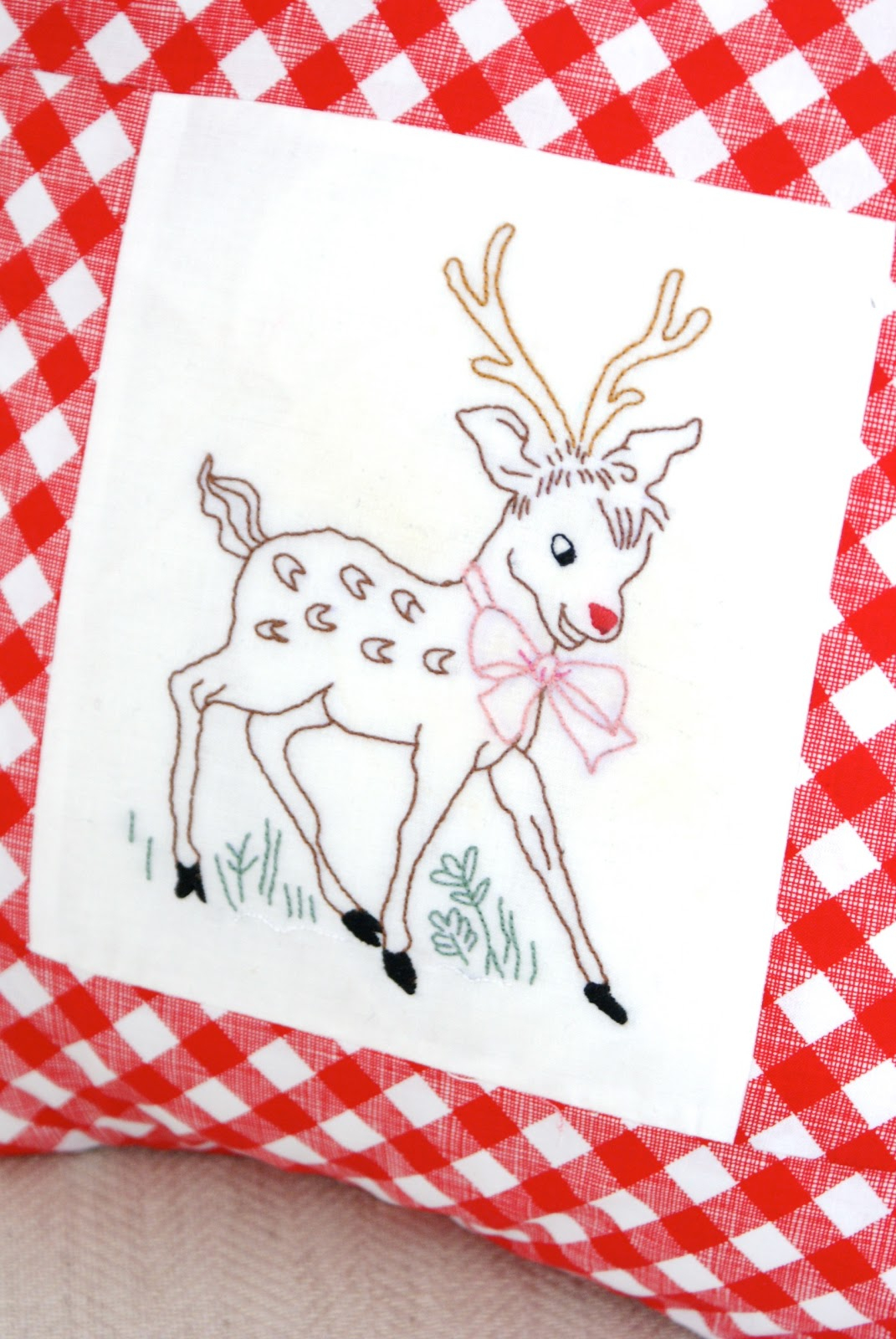 Christmas Embroidery Patterns Messyjesse A Quilt Blog Jessie Fincham Christmas Reindeer